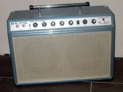 Vintage kent guitar amplifier yes YES